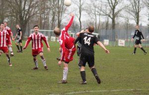Kreisliga Stade: Tabellenführer hat viel Glück bei Punkteteilung